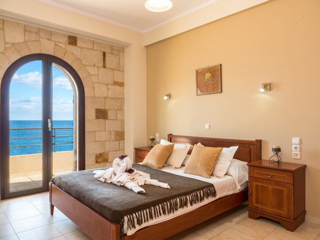 Sea view apartment in Chania